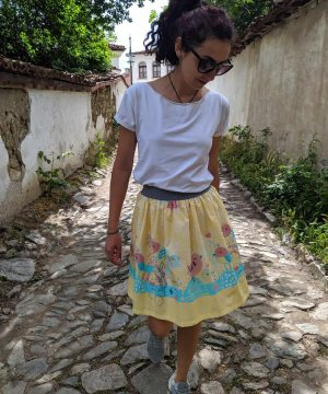 Light-summer-skirt-short