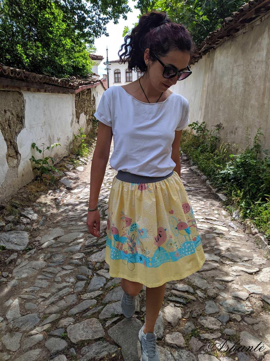 Light-summer-skirt-short